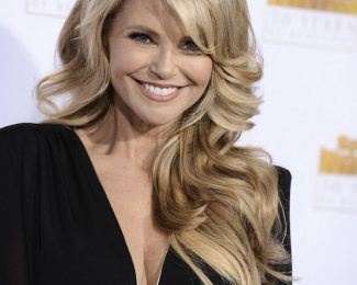 Christie-Brinkley-Sports-Illustrated-50-Years-of-Beautiful-1