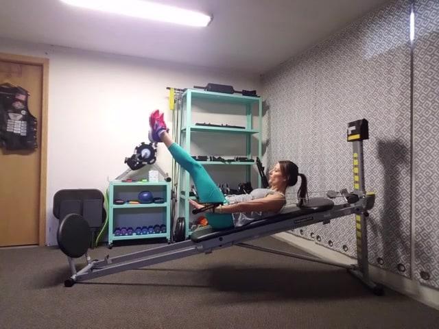 Cassandra's Hot Abs Workout