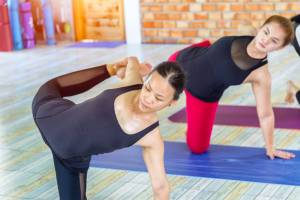 What Is Hot Yoga and What Are the Benefits and Risks?